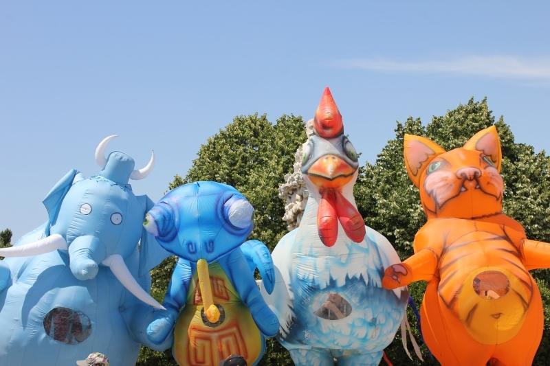 créature gonflable carnaval.JPG