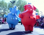 éléphants gonflables carnaval.JPG