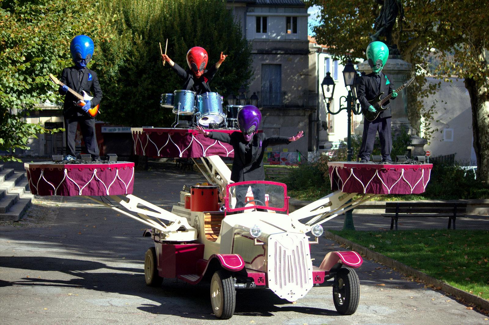 Spectacle de rue musical Crazy Tacot