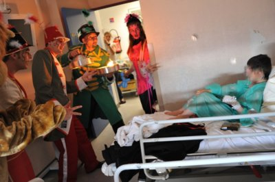 troupe-timone-hopital-spectacle